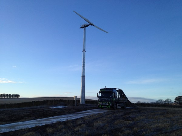 Wind turbine with trackway